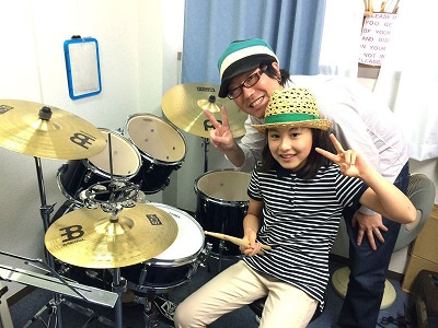 ドラム教室のレッスン風景
