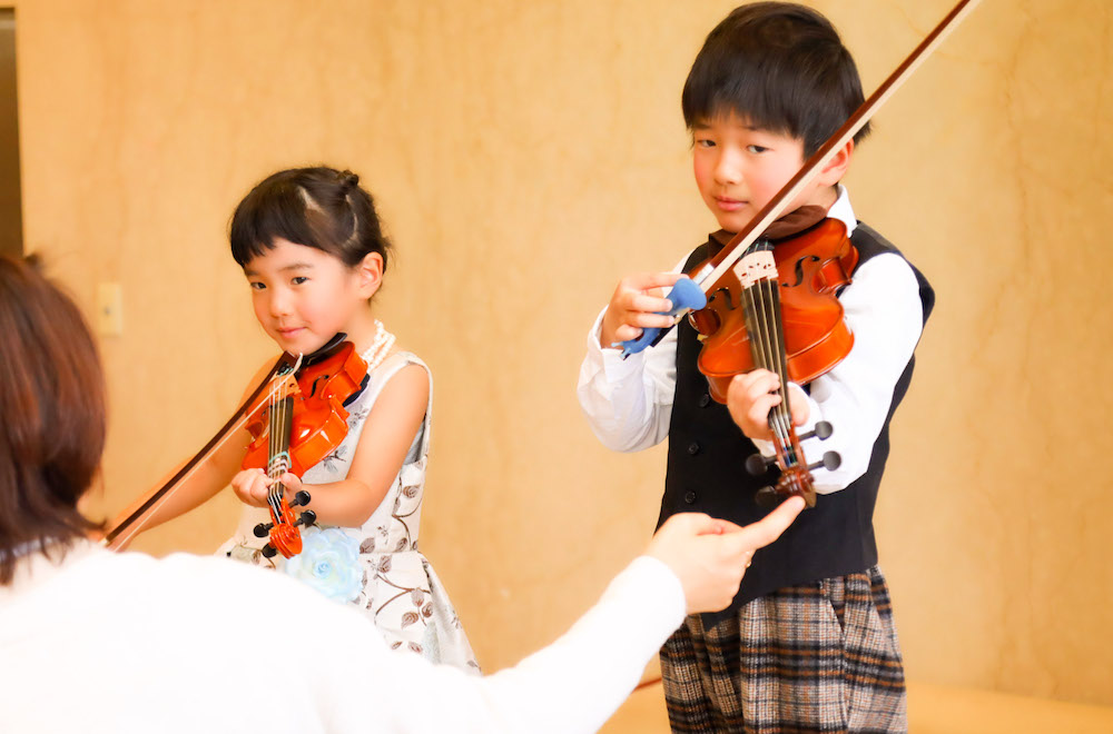 バイオリンの授業風景